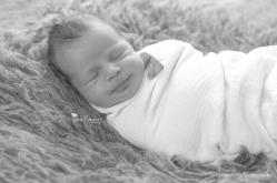 Jamie Romaezi | Northern Virginia Newborn Photographer