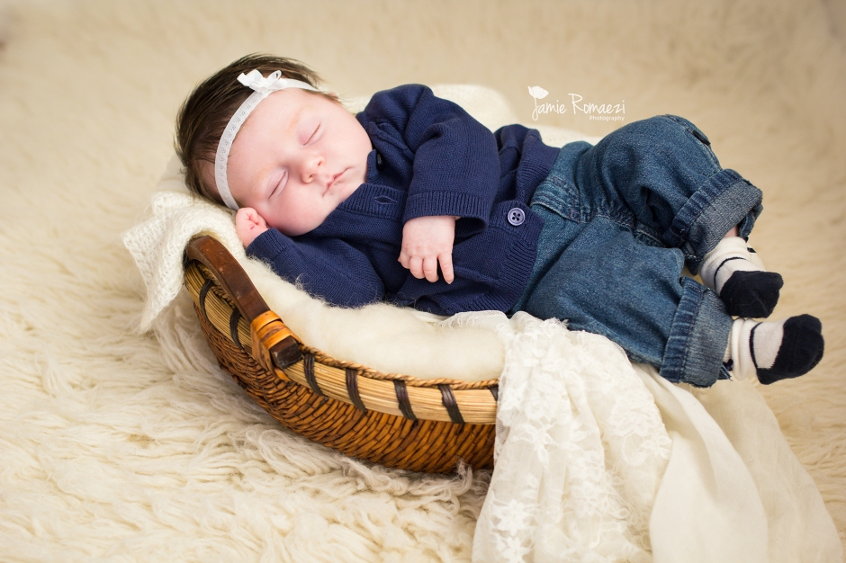 Jamie Romaezi Photography | Northern VA Newborn Photographer