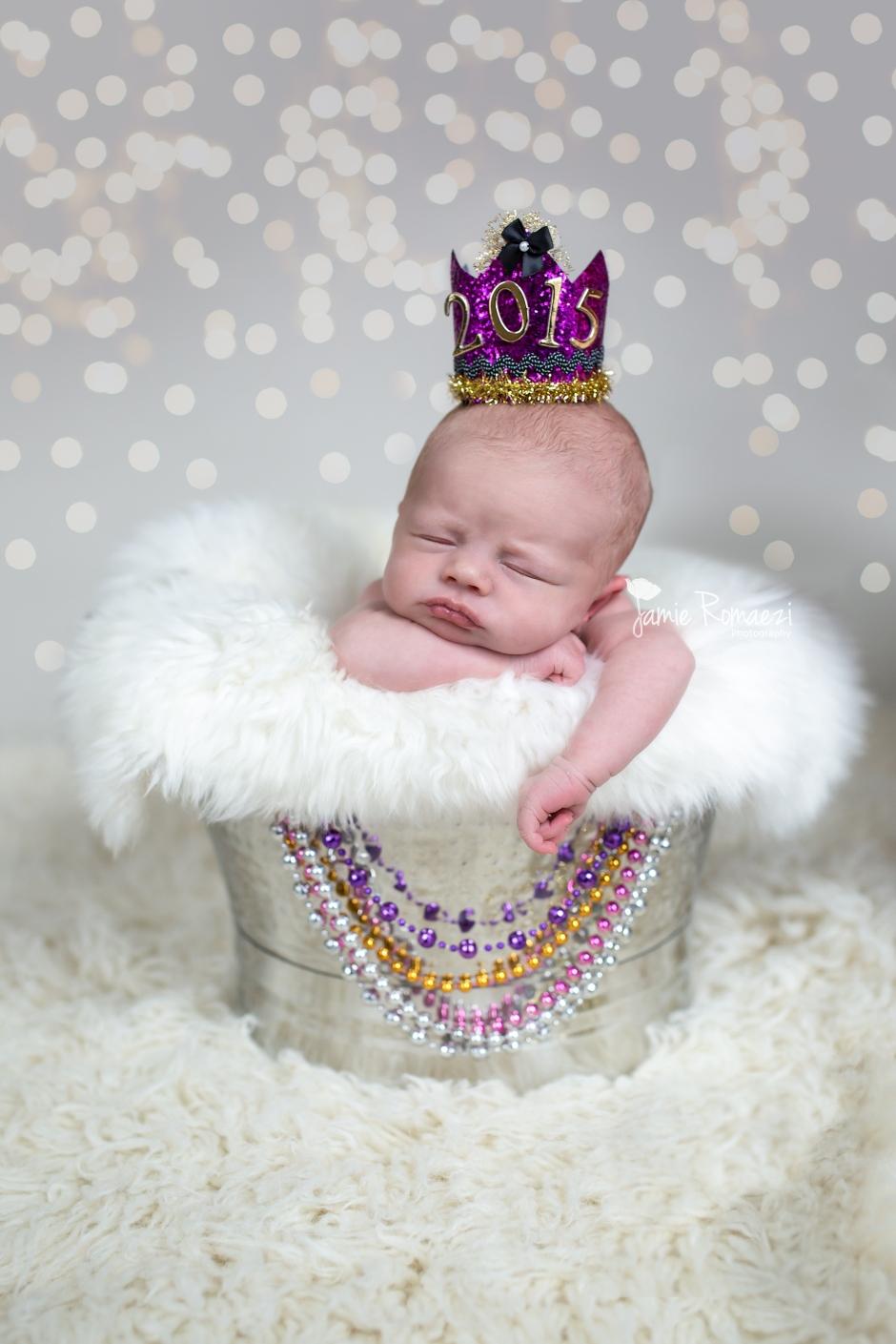 Newborn New Year Photo \ Jamie Romaezi Photography | Northern VA Newborn Photographer