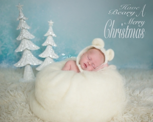 Winter Newborn Photo \ Jamie Romaezi Photography | Northern VA Newborn Photographer