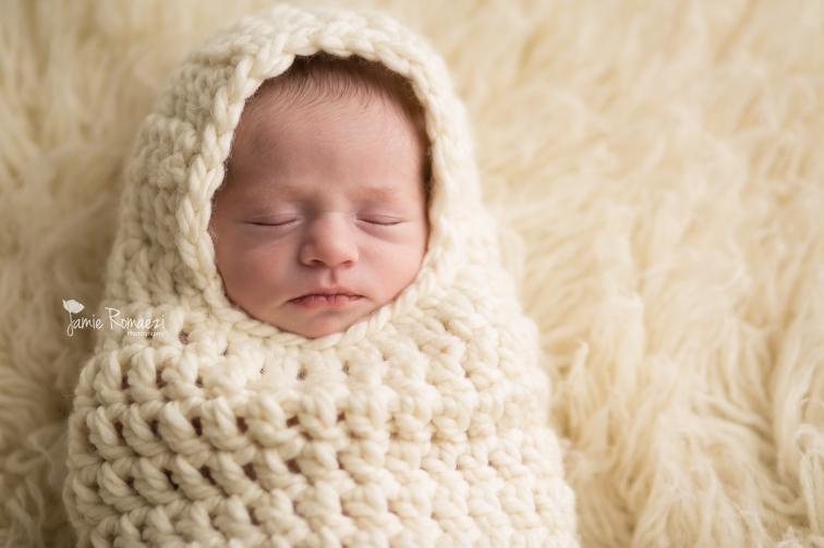 Jamie Romaezi Photogaphy-baby papoose