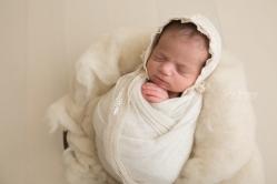 newborn photographer sterling vaJamie Romaezi Photography Posed Newborn Photo