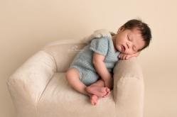 newborn photographer sterling va