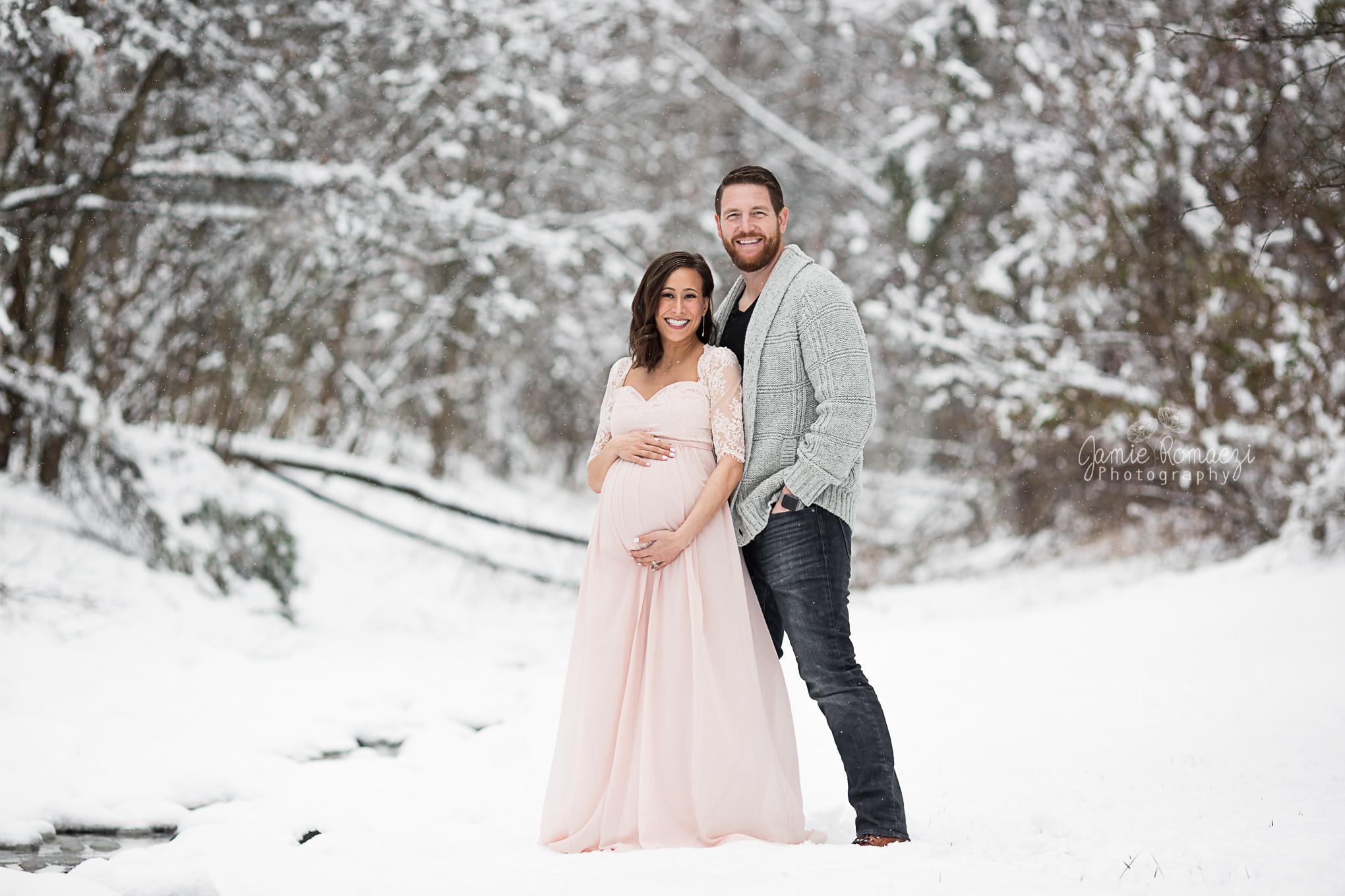 Jamie Romaezi Photography Snow Maternity Photos