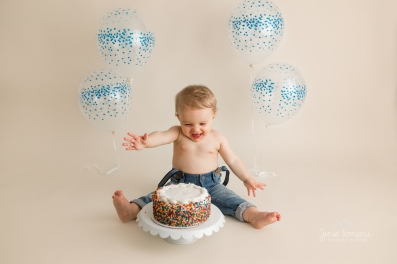 cake smash excited kid